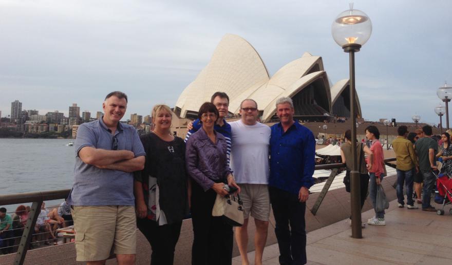 world-tour-sydney-with-friends